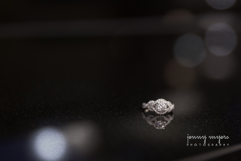 picture of an engagement ring